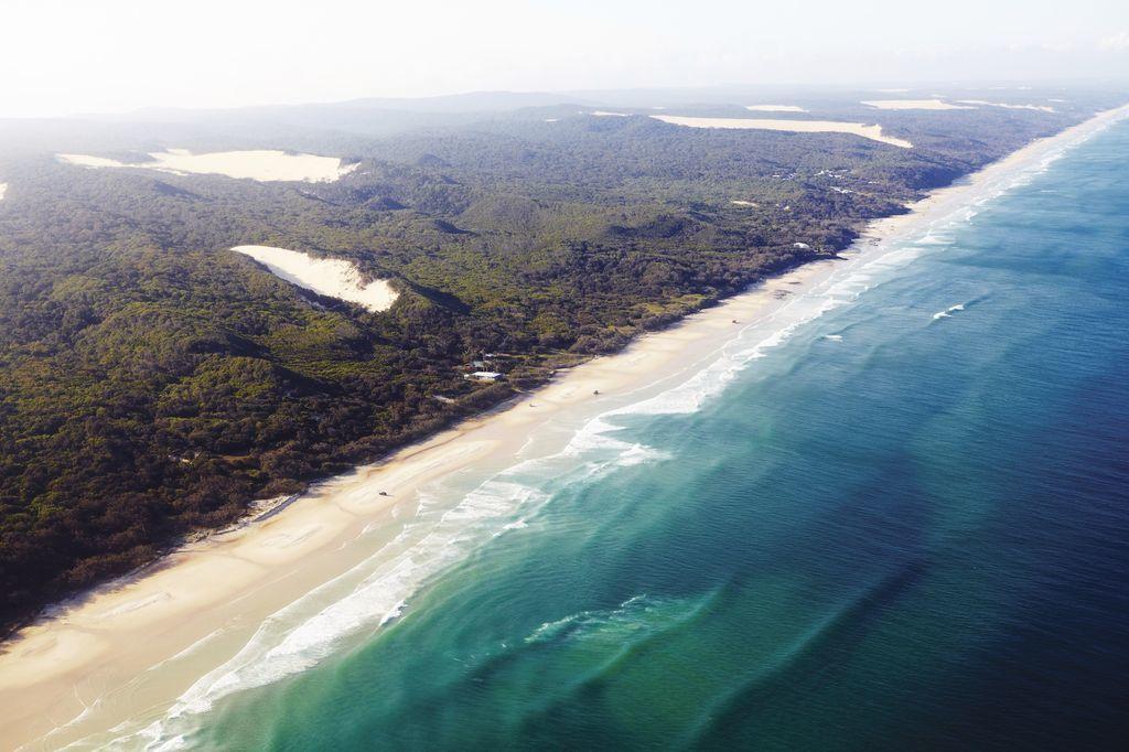 Fraser Island, QLD © Tourism Australia
