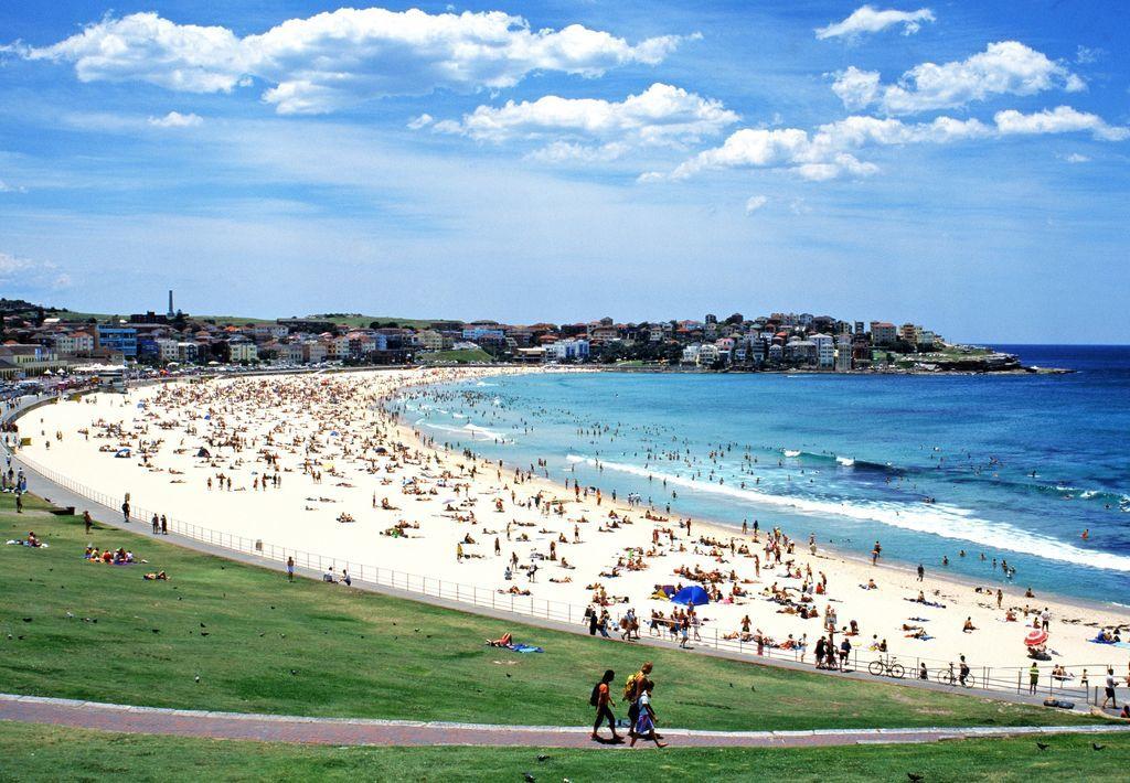 Bondi Beach © Tourism Australia