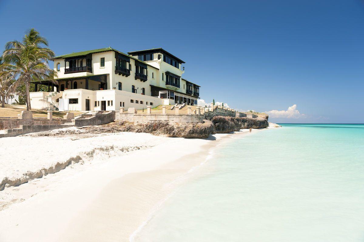 Die Villa DuPont auf Kuba © lazyllama/AdobeStock
