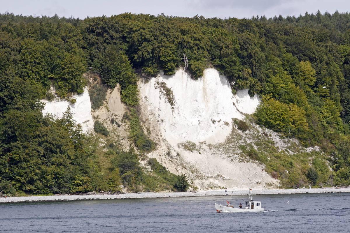 Steilufer und die Kreidefelsen an der Ostküste zwischen Sassnitz und Lohm © Joachim Negwer