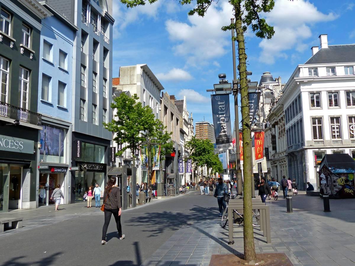 Antwerpens große Einkaufsstraße - die Meir © Martina Sörensen