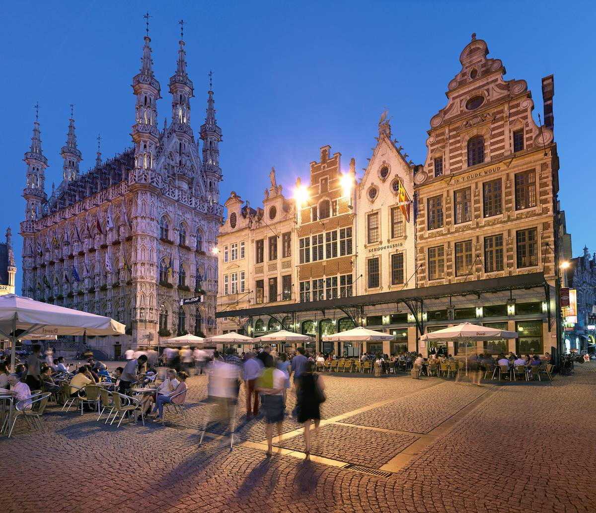 Das Rathaus von Leuven (c) Milo Profi /visitflanders
