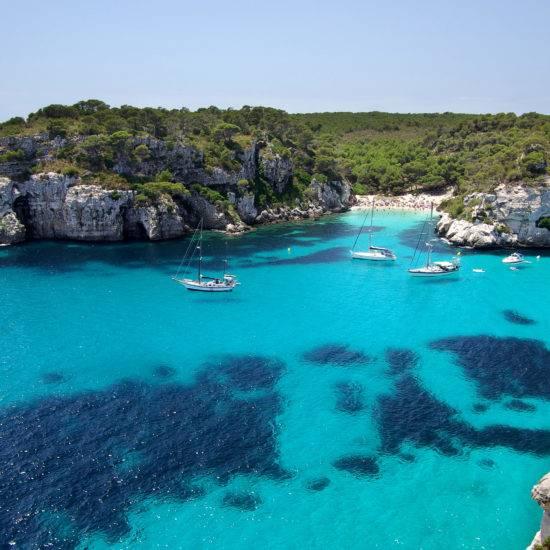 Bucht Macarella auf Menorca © Carl-Jürgen Bautsch / AdobeStock