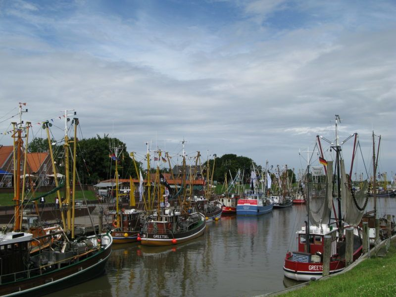 Der Kutterhafen von Gretsiel in Ostfriesland